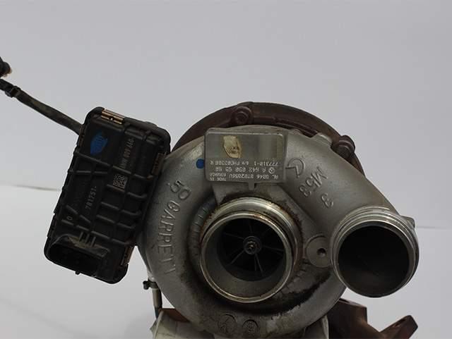 Турбокомпрессор двигателя Мерседес OM 642 350cdi А 642 090 85 80 второе изображение