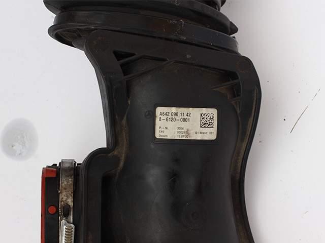 Воздуховод двигателя Мерседес А 642 090 11 42 второе изображение