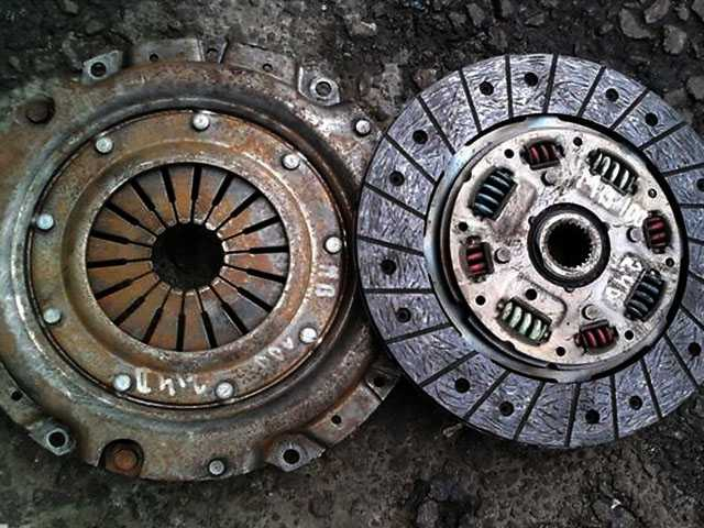 Корзина сцепления с диском для Mercedes MB-100 88-96 2.4D