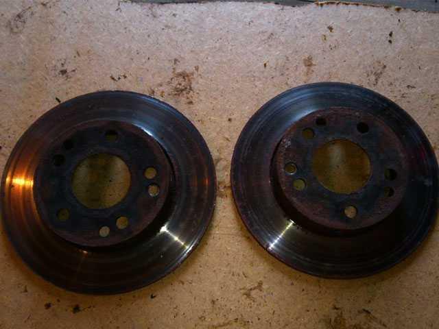 Передние тормозные диски для Мерседес 190 W201